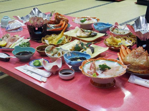 【夕食一例】冬の味覚「ブリしゃぶ」や「カニ」など、日本海の幸をご堪能ください!