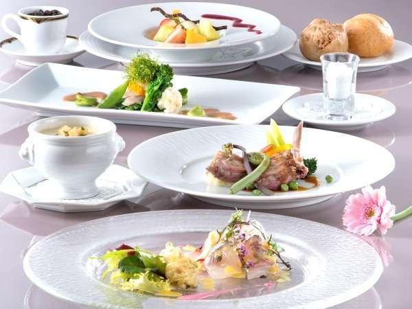【スタンダード・フレンチ】伊豆近海魚介と彩り野菜が堪能できるシェフのこだわり料理 本館レストラン