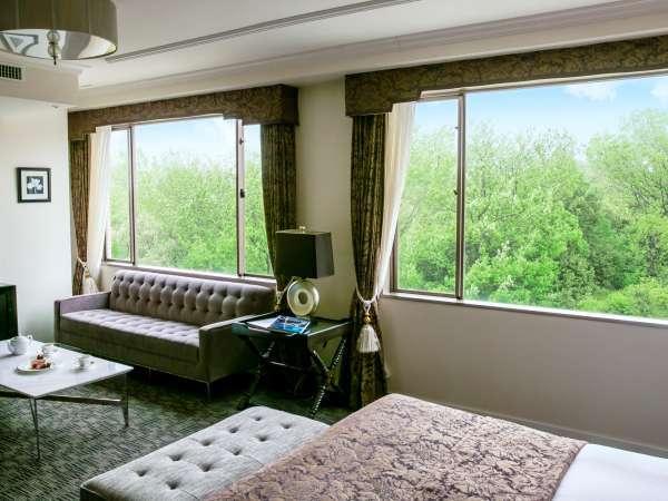 【静寂という贅沢】まるで絵画のような八事のフォレストビュー(森側客室の一例)