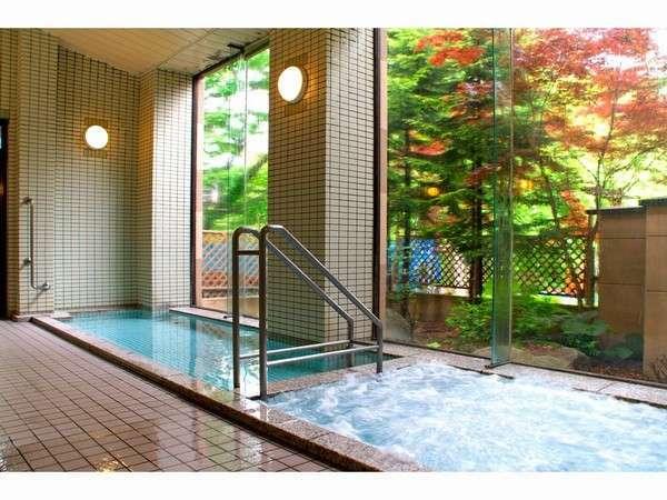 リフレッシュできるお風呂。露天風呂もございます。