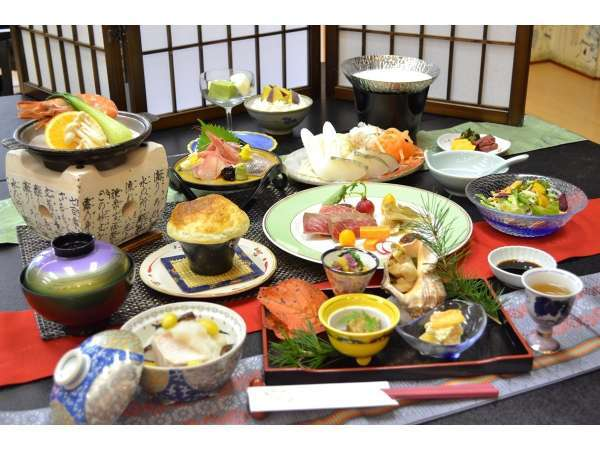 【お料理一例】季節ごとの和食会席をご用意。「蔵王牛」や「山海の味覚」を心ゆくまで