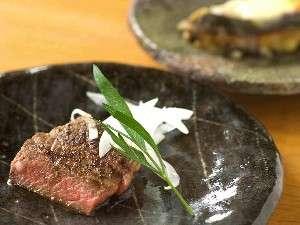 夕食のメインディッシュとなる豊後牛ステーキ