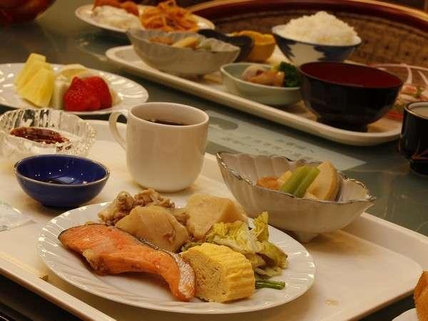 ★お客様評価4.8♪和洋合わせて30種類以上の手作り朝食バイキング