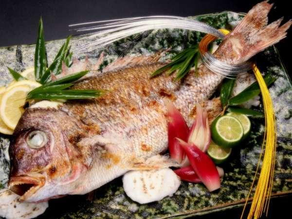 【ご祝宴プラン】★尾頭付きの鯛1匹と升酒など7大特典付