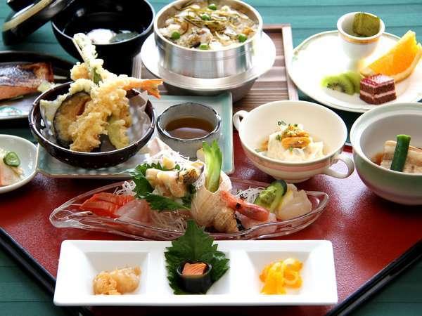 大人気の浦河産ツブ貝の釜飯を中心とした和食膳(イメージ)※状況によりバイキングになことがございます。
