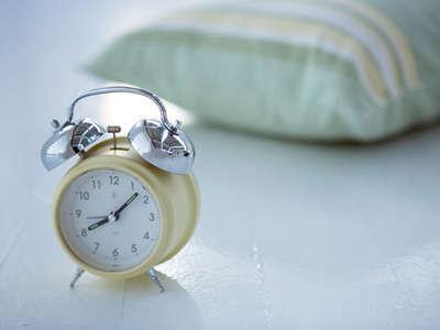 お部屋でゆっくり朝寝坊 チェックアウト12:30まで◆地元の名店食事券付3食プラン◆