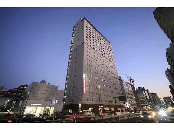 ホテルサンルート東新宿の外観