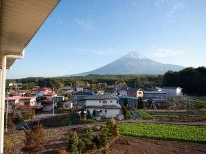 館内から望む富士の眺望