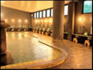 100%の源泉で溢れる大浴場。入替制で2つのお風呂ともお楽しみ頂けます