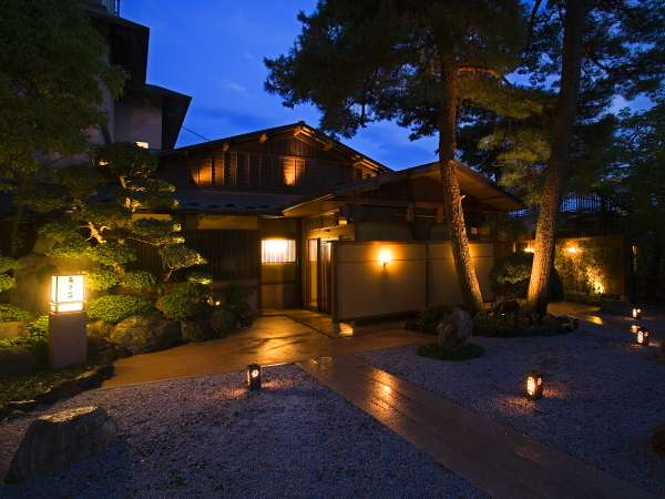 百楽荘の外観