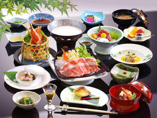 群馬名産上州もち豚の豆乳鍋、旨味ギッシリ北海道直送のズワイ蟹など2013年春夏美味会席