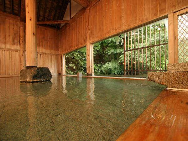 解放的な空間と水上の優しい泉質に心も身体も癒されてください【牧水の湯】