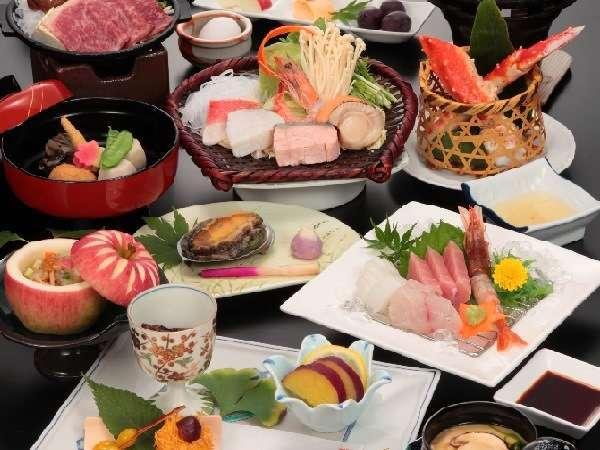 松茸やタラバ蟹などの旬の味覚に厳選和牛や活アワビなど、厳選素材を贅沢に使用!料理長自慢の特撰会席♪