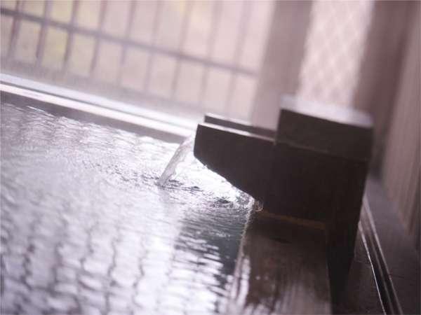 【水晶風呂】水上の湯はクセがなく思わず長湯してしまいそうになる。