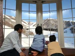 お部屋の窓からは白銀の世界を堪能できます!(写真は一例です)