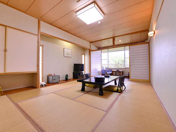 *和室12畳(客室一例)/畳の香りがほのかに薫るお部屋でのんびりとお寛ぎ下さい。