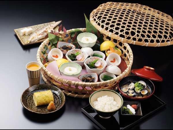 【お料理満喫】夕食は鳥羽国際ホテルのフレンチ+潮路亭での優雅な和朝食