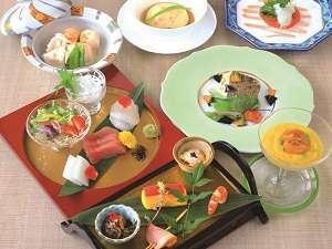 【島の食材を味わう】「ゆらぎ月」会席料理を食す★朝夕食付