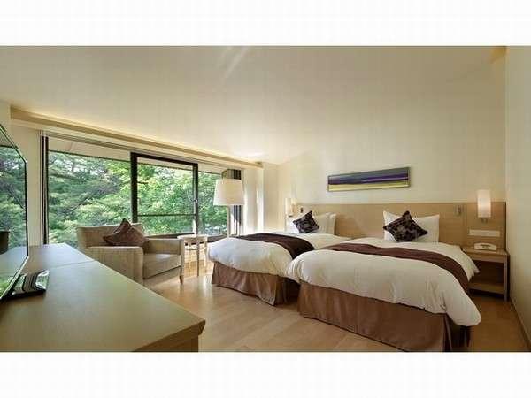 ゆったりとした空間で優雅なひとときを スタンダードプラン/ジュニアスイートルーム<エントランス側>