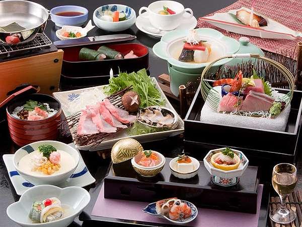 旬の食材を盛り込んだ磯会席料理(一例) 写真提供:じゃらんnet