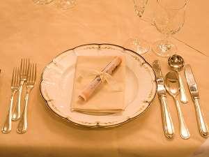 【親子でテーブルマナープラン】知っておきたい!お料理を楽しむ♪テーブルマナー☆家族で育旅