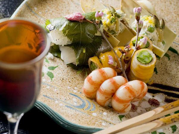 【お部屋食プラン】料理長こだわりの「だし」と旬の食材を使った和食会席
