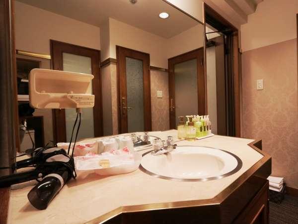 ◆洗面◆充実したアメニティー、ドライヤーも完備。
