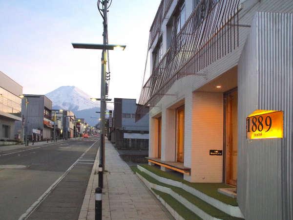 ホステル前からの富士山
