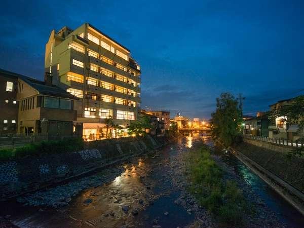 本陣平野屋別館〜飛騨高山の観光を10倍楽しむ、のんびり部屋食〜