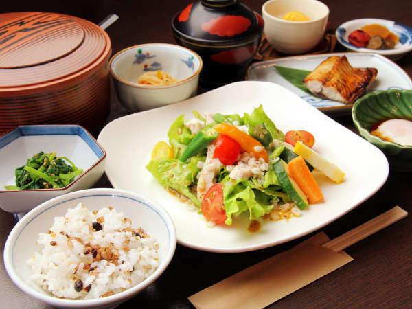 ◆栄養抜群!新鮮野菜のサラダを中心とした朝食をどうぞ!