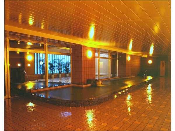 大浴場(夜間ライトアップ時)