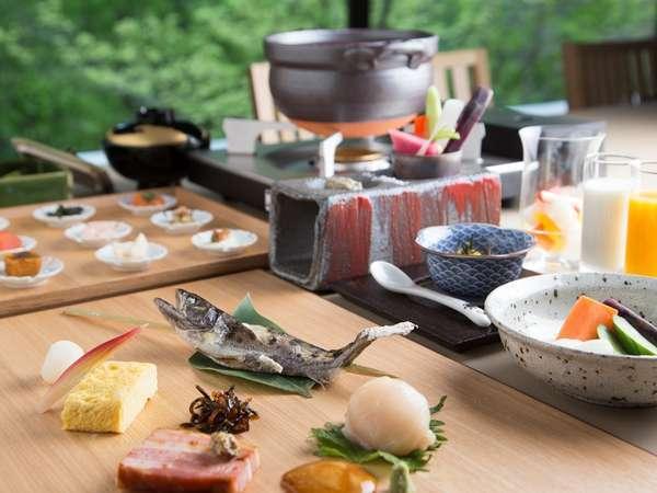 【1泊朝食】北海道産食材をふんだんに使用した「食の宿」の朝ごはん〜出来立てのおいしさをどうぞ〜