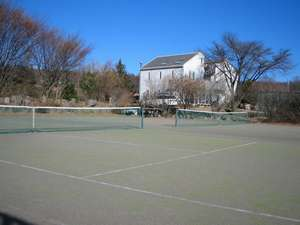 人工芝テニスコート(二面)