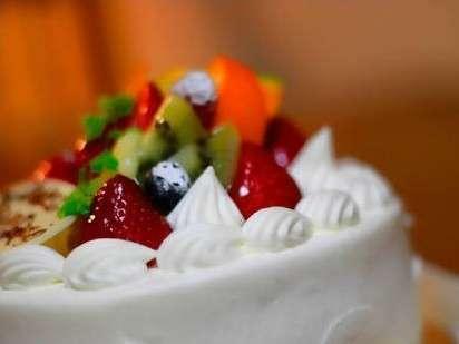 【Happy Anniversaryプラン】記念日やお誕生日に◆スパークリングワイン&ケーキ付き(朝食付き)