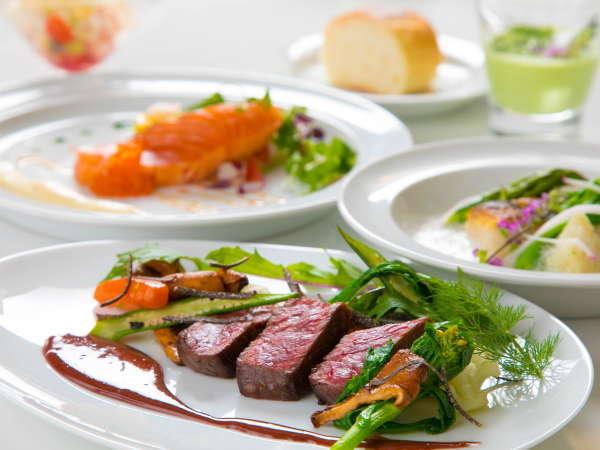 【スタンダード】メインの豊後牛ステーキとフォアグラ含むフルコース全8品