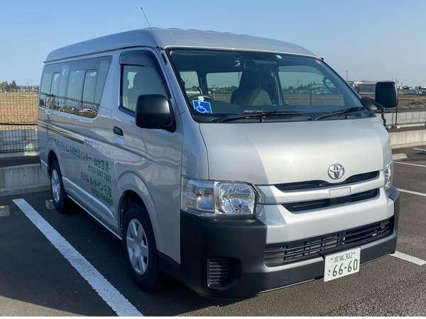 当ホテルから仙台空港まで、毎朝3便、無料送迎を実施しております。