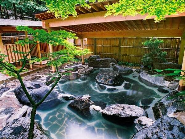 09年5月にリニューアルした庭園露天風呂'竹林'