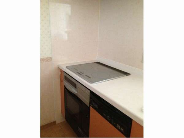 多人数プランのマンションタイプのキッチンです。IHコンロ、オーブンレンジ完備♪手料理でワイワイ♪