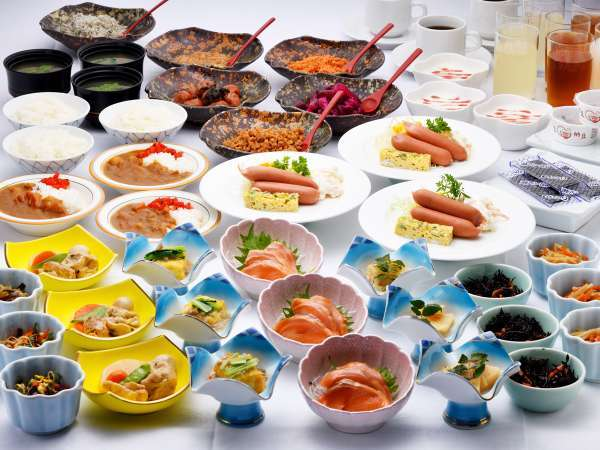 *朝食一例/下北の郷土料理やほっこりおかずが並ぶ和食バイキング!