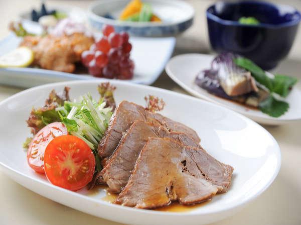*【夕食一例】バランスも考えた、真心の込もった料理を存分にお楽しみください!