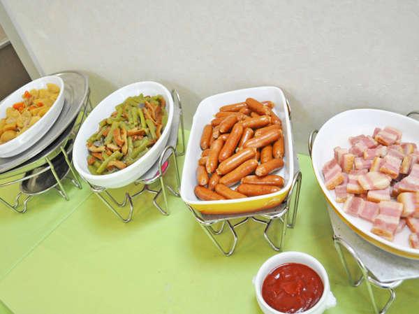 新鮮野菜をふんだんに使った朝食バイキングが好評!ビジネス&観光に♪(朝食付)