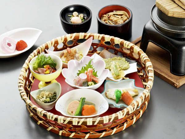 ◇花菜~hanasai~◇~春本番!新緑薫る季節~丹精込めた一品を少量ずつ♪(夕朝食付)