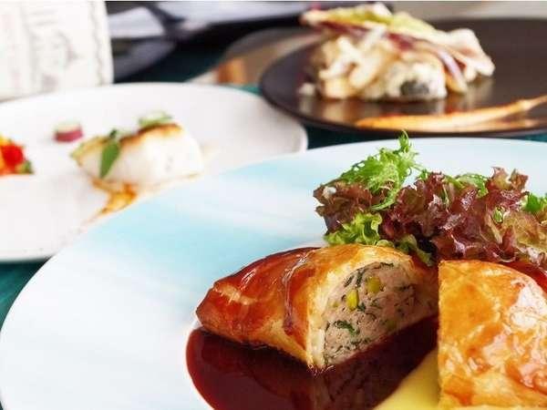 【French Dinner コース 「テロワール」付】全室海側!夜は海辺のレストランで...