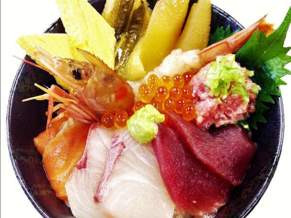 【海鮮丼チケット付♪】「築地海鮮丼まるきた」で満腹に!築地で海幸をご堪能♪【最長24HOK!】