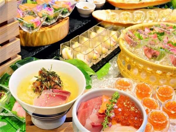 人気の海鮮コーナー オリジナル丼を作るのもお刺身でも!季節に合わせた素材をご用意。