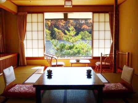 大自然と野天風呂のリゾート 蓼科グランドホテル 滝の湯 関連画像 1枚目 じゃらんnet提供