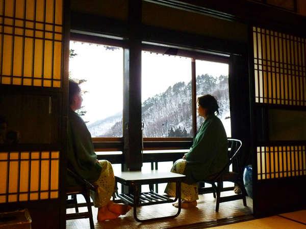 かすかに近づく春の訪れを窓辺の景色に感じつつ、ごゆっくりお寛ぎ下さい。