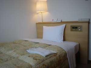 シングルルーム。ベッド幅120cm。
