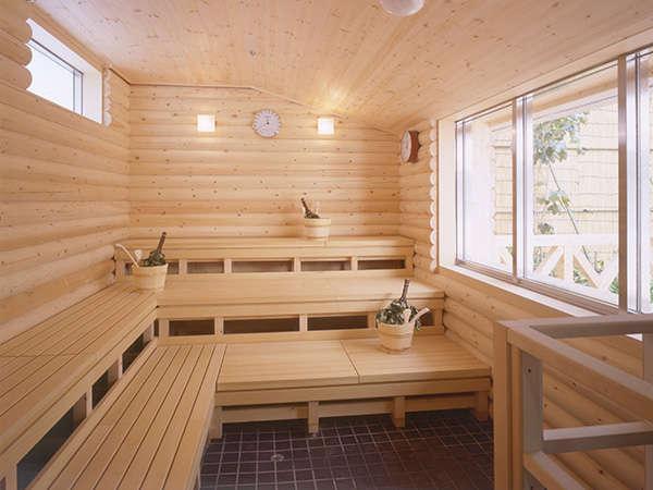 フィンランドサウナにはヴィヒタ(白樺の葉)も設置。本格的なスタイルでサウナを楽しめます。