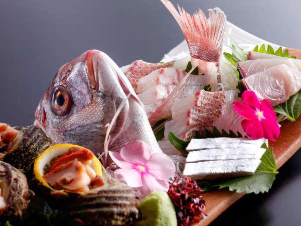 【真鯛】春の桜鯛、秋の紅葉鯛など、淡路島を代表する食材(イメージ)